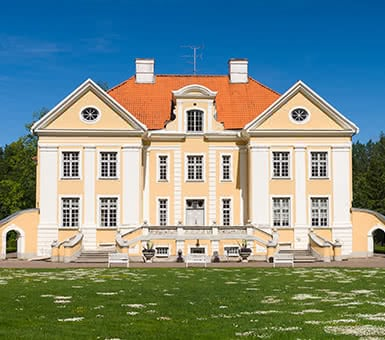 Private Estonian Manors and Resorts Tour